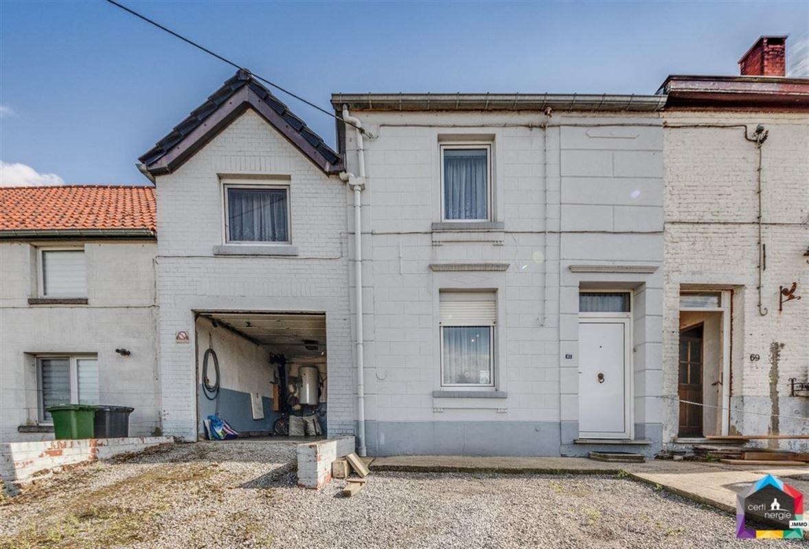 Maison avec passage latéral jardin et garage – NIVELLES